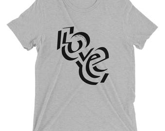 LOVE - Short sleeve t-shirt (Black Font)