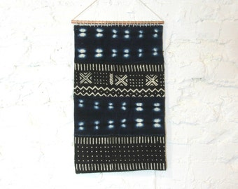 Mudcloth Wall Hanging || African Mud Cloth Wall Art Textile Indigo Black White Traditional Weaving Organic Cotton Copper Weaving Tapestry