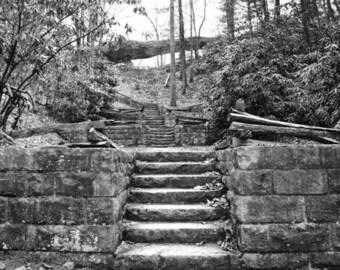 Journal Arch dans Kingdom Come State Park, KY impression noir et blanc