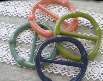 "4 colors Textured Plastic Buckle Scarf Slide Round 1.75"" bar carved variety pack crafts t-shirt slide novelty retro ribbon embellishment"