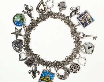 Brooklyn Bridge Charm Bracelet. Hand made in Brooklyn. Stretch Charm bracelet with all your favorite NYC images!