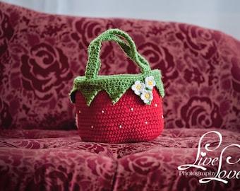 Download PDF crochet pattern - Strawberry bag