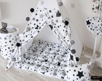 READY TO SHIP! White teepee with black stars Tipi Playhouse for kids Play tent Teepee tent for kids Nursery indoor wigwam