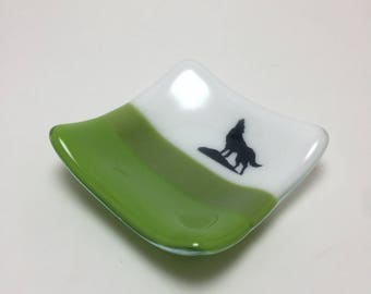 Fused glass, plate, wolf, handmade glass dish, dish, wolf plate, decor, jewelry dish, candy dish, spoonrest, dish, fused glass plate