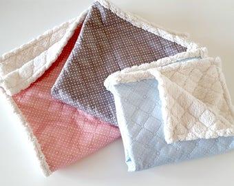 Travel blanket for your dog darling practical dog blanket