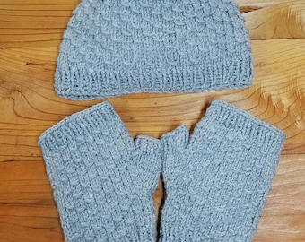 Drop stitch hat & fingerless glove set / Grey hat and glove set / Teen to adult size set / Lightweight for spring / Knit beanie and gloves