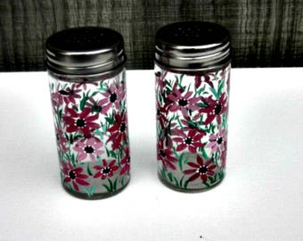 Hand Painted Salt and Pepper Shakers, Table Decoration, Hand Painted, Shades of Pink Flowers, Hand Painted Glass
