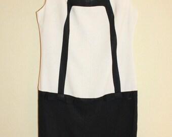 1960 Black and White Mod Shift Dress Size Bust 38-40
