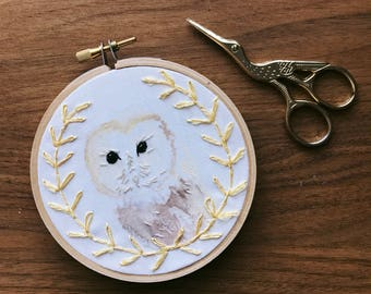 SALE - Barn Owl wreath, embroidery art, hand painted, hand embroidery, fiber art, wall hanging, home decor