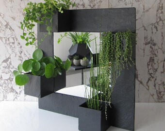 mirror and 4 planters in natural slate. Indoor/Outdoor