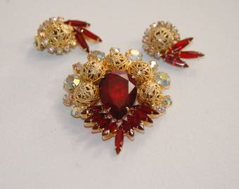 Vtg Juliana Red Brooch and Earrings Demi Set, Delizza & Elster Set, Book Piece,Red Rhinestone Brooch, Red Rhinestone Earrings