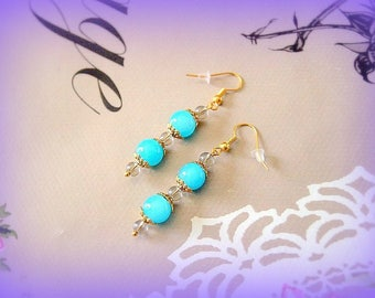 Elegant earrings blue glass beads and gold made in France original unique