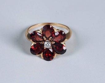14K Yellow Gold Floral Design Garnet and diamond Ring, size 7.25