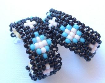 Indianer Ohrringe, Jahrgang Rocailles Perlen Ohrringe, Frances Golden Hawk Neely Perlen Ohrstecker, indianischen Perlenstickerei Schmuck