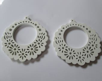 prints 2 wood flowers, 57 mm white wood beads