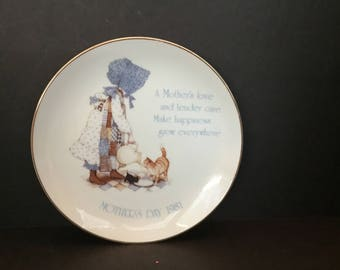 Holly Hobbie Mothers Day Plate 1981  M