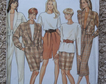 UNCUT Misses Pants or Shorts, Skirt in Two Lengths, Top, and Unlined Jacket - Simplicity Sewing Pattern 7950 - Vintage