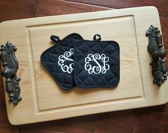 Personalized kitchen set, 2 monogrammed pot holders. Mongram kitchen decor, house warming, wedding shower, mothers day