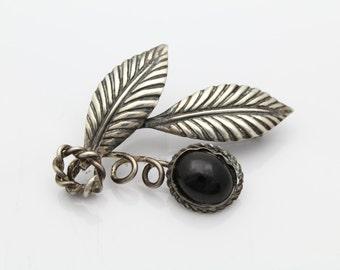 Vintage Sterling Silver Black Onyx American Arts and Crafts Leaf Spray Brooch. [3954]