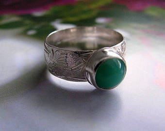 Sterling Silver Ring, Chrysoprase Gemstone Ring, Green Ring, Sterling Silver Jewelry, Wide Band Ring Size 8.5