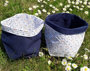 Small baskets, empty pockets, baskets of pink and purple fabrics