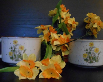 Large Daisy Stoneware Mugs - Japan