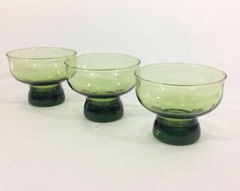 Mid Century Green Glass Liquor Glasses, Vintage Bar Glass, Vintage Drinks, Mid Century Barware