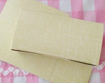 Vintage Yellow Weave Gift Box