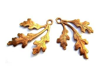 2 Vintage metal beads leaf shape 35mmX26mm