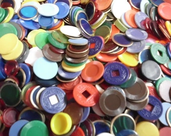 "100 Vintage Game Pieces Discs Tiddlies Markers Chips Tokens Most Plastic Over 30 Styles/Colors 1/2"" to 1"""