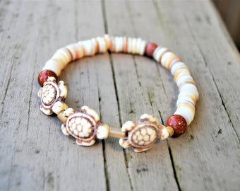 CREAM TURTLES Natural Shell Stretch Bracelet with Goldstone Beads