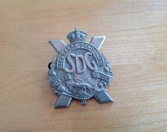 WWII SDG Glengary Fencibiles hat badge
