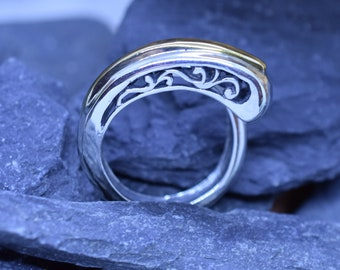 Vintage Sterling Silver and Brass Scroll Ring Size 9 1/4 US