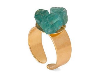 Ring with raw natural apatite