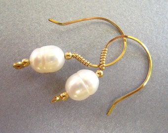 Freshwater Pearls and Gold EARRINGS Perfect for wedding bridesmaids