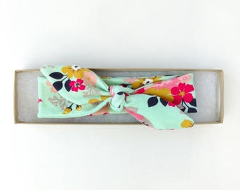 Baby Floral Headwrap // Baby Headband // Floral Baby Headwrap // Baby Girl Headband // Knotted Headband // Newborn Headband // Gift For Baby