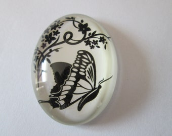A glass cabochon printed 30 x 40 mm Butterfly pattern