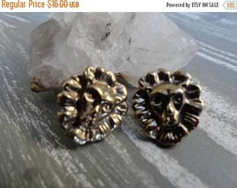 SALE Gold Lion Head Earrings - Vintage