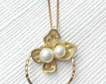 Pearl Flower Necklace, Floral Necklace, Floral Pearl Necklace, Dainty Necklace Gold, Minimal Jewelry, Long And Layering Gold Necklace, LN33