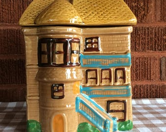Mid century castle house cookie jar novelty kitchen storage canister Japan
