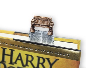 Escaped Prisoner bookmark. Magic and unusual gift for him, man, brother, dad, boyfriend, potterhead, harry potter fan, gryffindor, student