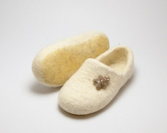 White boiled wool clogs with optional decoration, female slippers