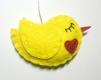 Felt bird ornament in yellow with red heart - handmade home decoration - Easter decor - Baby shower - woodland animals  - Christmas
