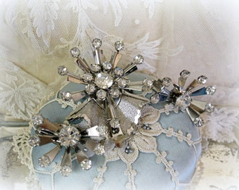 vintage atomic rhinestone jewelry demi parure matching brooch and earrings riveted construction