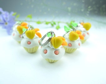 Mini Peaches Cupcake Stitch marker (Set of 5), knitting stitch markers charms knit knitters gift polymer clay miniature food accessories