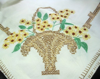 Vintage Embroidered Tablecloth With Large Basket of Daisies/Black Eyed Susans In Each Corner