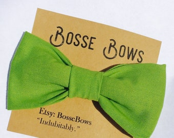 Green Bow tie, baby bow tie, First birthday tie, Kid bow tie, Smash cake bow tie, First birthday bow tie, boy bow tie, Mens Pre tied bow tie