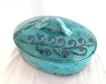 Turquoise oval pot with lid