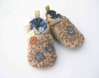 SALE Small Classic Antique Flowers  / All Fabric Soft Sole Baby Shoes / Ready to Ship / Babies