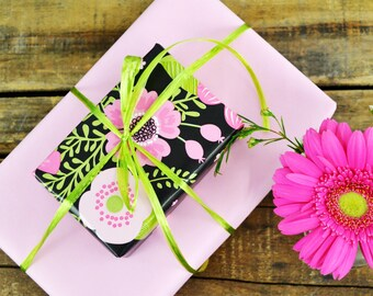 Spring Flowers Chalkboard Wrapping Paper, 20 Square Feet - Mother's Day Wrapping Paper - Feminine Gift Wrap - Spring Birthday Wrapping Paper